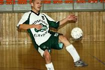 Hrající předseda vacenovického Kvasaca Radek Procházka nemohl být po víkendovém utkání ve Veselí nad Moravou s výkonem ani výsledkem svého týmu spokojený.