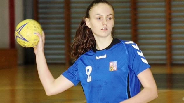Mladá hodonínská házenkářka Nikola Kalinová absolovovala s českými dorostenkami třídenní soustředění v Hustopečích.