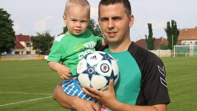 Zkušený ratíškovický obránce Milan Koplík (na snímku) se bude po skončení aktivní kariéry věnovat synovi.