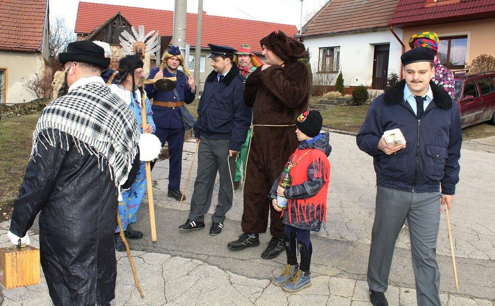 V Moravanech má bujaré a rozverné pochodování v závěru masopustu dlouhou tradici.