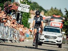Česká olympionička Martina Sáblíková v Kyjově a okolí potvrdila roli velké favoritky, když po časovce ovládla i závod s hromadným startem a získala už čtrnáctý český cyklistický titul.