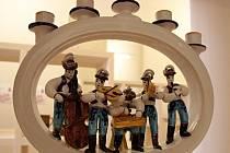 Strážnický Národní ústav lidové kultury připravil výstavu nazvanou Skromné umění – Tradiční řemesla v České republice. V prostorách zámku ji přináší až do roku 2015.
