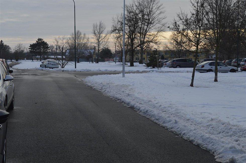 Parkoviště na ulicích Okružní - Jižní.