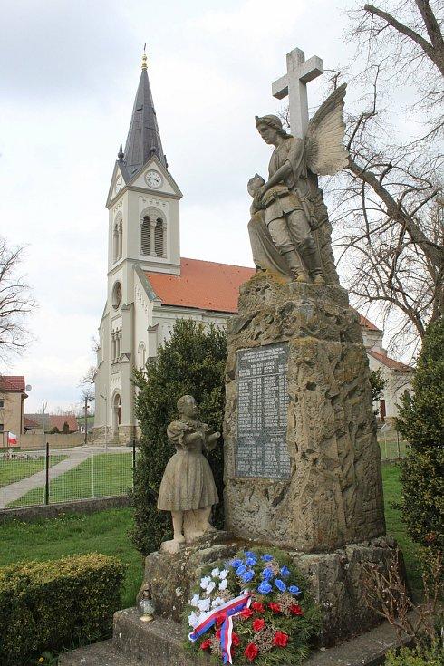 Také památník obětem první světové války se má dočkat zrestaurování.