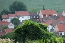 Nad jednou z obcí Ostrožska. Ilustrační foto