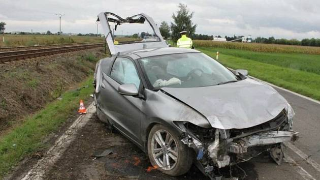 Dopravní nehoda u Vlkoše skončila v neděli středně těžkým zraněním řidiče.