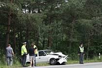 Předběžná škoda na dvou osobních autech je sedmdesát tisíc korun.