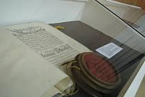 Výstava vzácných archiválií v hodonínské knihovně