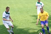 Dubňanskému Baníku (v bílém) začne sezona 20. července předkolem Poháru ČMFS, v němž přivítají divizní Šardice.