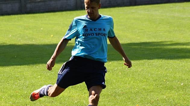 Zkušený útočník Petr Lipčík (na snímku) dvěma góly rozhodl víkendový duel s Rajhradem. Trauben doma vyhrál 3:2.