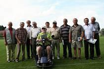 Fotbalisté Vacenovic o víkendu oslavili osmdesáté výročí od svého založení. Při této příležitosti bylo oceněno čtrnáct osobností vacenovické kopané. Tři bývalí hráči se omluvili.