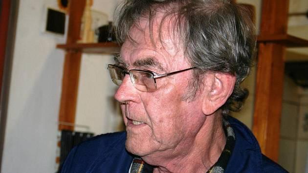 Petr Wahlich tvrdí, že je syn německého vojáka z druhé světové války.