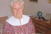 Učitelka a sběratelka lidových písní a tanců Milada Bimková se narodila v Hodoníně.