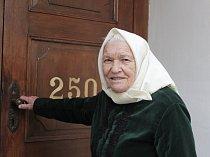 Nejstarší obyvatelka Dolních Bojanovic na Hodonínsku, osmadevadesátiletá Růžena Komosná.