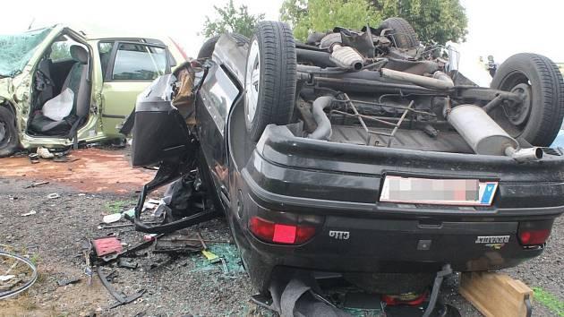 Při nehodě u Vnorov zahynuli čtyři lidé.