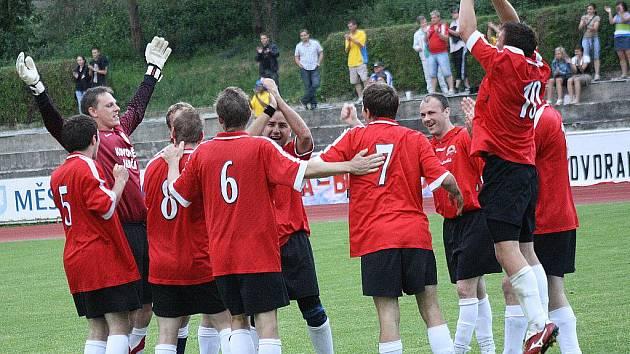 Finále okresního poháru Hovorany - Ježov 0-0, 3-4.