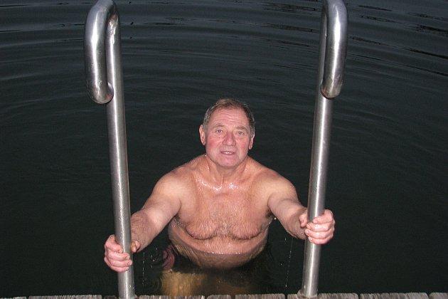 Otužilec a zimní plavec Antonín Krejčiřík.