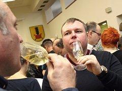 Místní výstava vín a čtvrtá celostátní výstava vín z málo pěstovaných odrůd v Hovoranech.