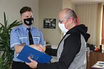 Strážník Šimeček pomohl s agresorem mimo službu