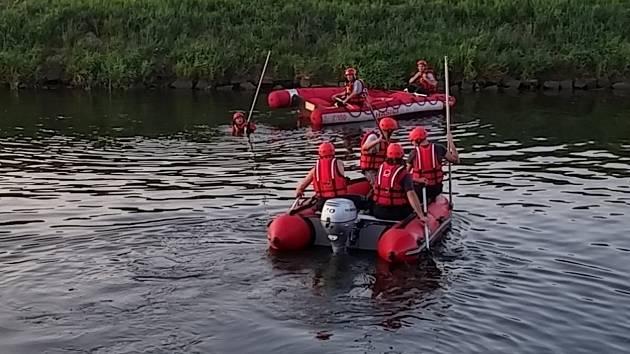 Pátrání po druhém člověku, kterého hledali od čtvrtka policisté i hasiči na řece Moravě u Vnorov je u konce.