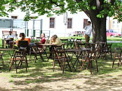 Park Petra Bezruče ve Veselí nad Moravou. Ilustrační foto.