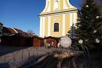 Hodonínské náměstí připravené na vánoční jarmark.