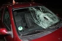 Policisté hledají možné svědky nehody, která se stala v úterý v 18.33 v Blatnické ulici ve Veselí nad Moravou.