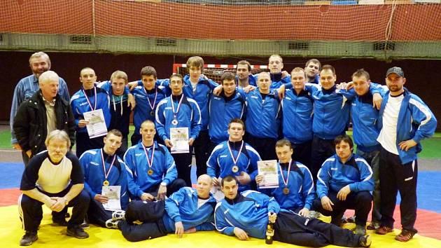 Úspěšná výprava hodonínského Sokola přivezla z Třince, kde se uskutečnilo Mitrovství České republiky, tři zlaté medaile.