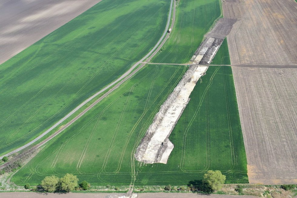 Letecký pohled na trasu tranzitního plynovodu Moravia.