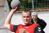 Národní házenkáři Veselí nad Moravou v prvním kole zvítězili v Podhorním Újezdu 23:19, ale v předehrávce druhého kola klopýtli v Dobrušce, odkud si přivezli prohru 16:19.