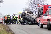 Havárie Škody Felicie na silnici mezi Ždánicemi a Archlebovem. Osmnáctiletý řidič a jeho o rok mladší spolujezdkyně vyvázli s lehkým poraněním.