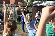 V pátek dopoledne si děti z Bukovan a okolních obcí vyzkoušely trénink s profesionálními sportovci.