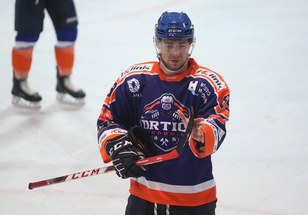 Hodonínský hokejista Lukáš Finsterle se po operaci kotníku připravuje individuálně.