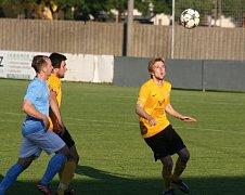 Fotbalisté Mutěnic prohráli na hřišti v Lanžhotě 0:2 a přišli o šanci vyhrát jihomoravský krajský přebor.