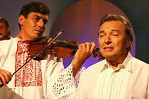 Zlatý slavík Karel Gott natočil cd s cimbálovou muzikou Ladislava Pavluše.