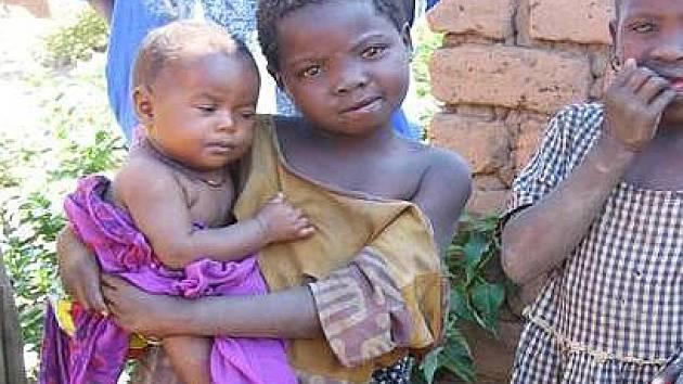 Děti z vesnice Mahango v jihozápadní Tanzánii.