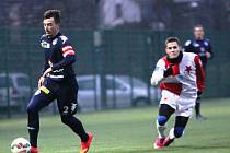 Osmnáctiletý talent akademie Slovácka a mládežnický reprezentant Petr Galuška (vlevo) se pere o místo v kádru trenéra Habance.