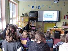 Robert Kopecký ukazoval dětem videa z Guyany. Jsou na YouTube.