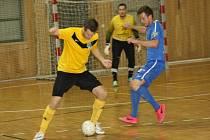 Finále futsalového krajského poháru FAČR, které se ve středu večer uskutečnilo ve sportovní hale TEZA v Hodoníně, nečekaně vyhrál Amor Vyškov (bílé dresy). Až druhé bylo brněnské Tango (modré dresy) a třetí skončili veselští Knights (žluté dresy).