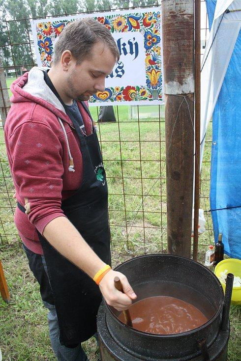 Třetí ročník vaření kotlíkového guláše O putovní pohár starosty města Vracova.