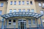 Areál polikliniky ve Veselí nad Moravou první říjnovou středu 2021.