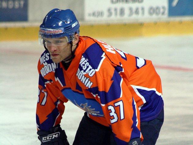 Zkušený obránce Hodonína Martin Hlavačka patří v letošním ročníku druhé ligy k nejlepším hráčům Drtičů.