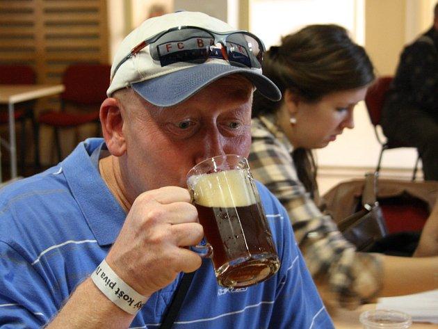 Čtvrtý ročník lipovského Horňáckého koštu piv nabídl šestatřicet druhů piva ze sedmnácti pivovarů.