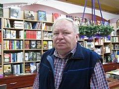 Majitel knihkupectví Jan Bůžek.