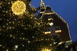 Vánoční osvětlení Masarykova náměstí a okolí v Hodoníně. Místa, kde se koná předvánoční jarmark.