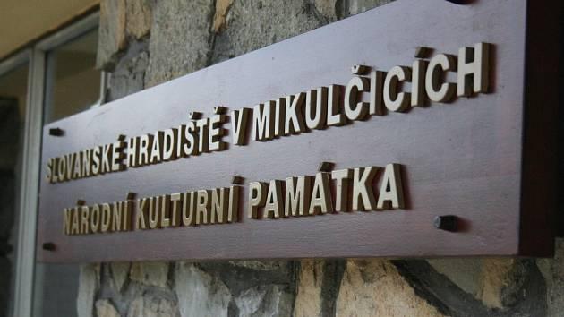 Mikulčický památník