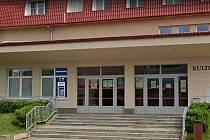 Nový bankomat ve Svatobořicích-Mistříně je na kulturním domě.