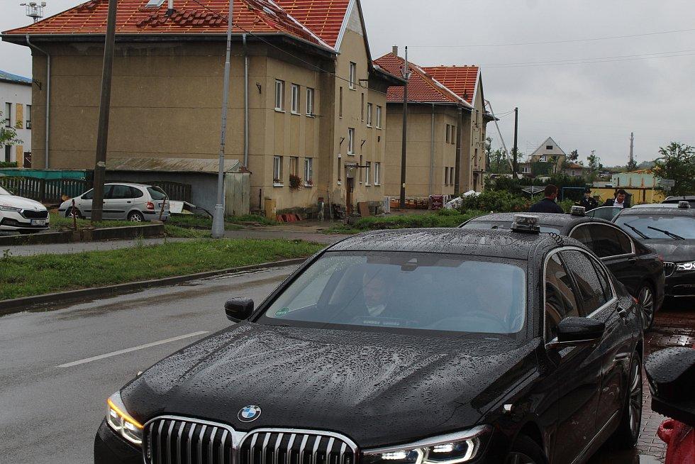 Polední brífink premiéra Andeje Babiše a místopředsedy vlády Karla Havlíčka v Hostinci u Konečků v Lužicích.