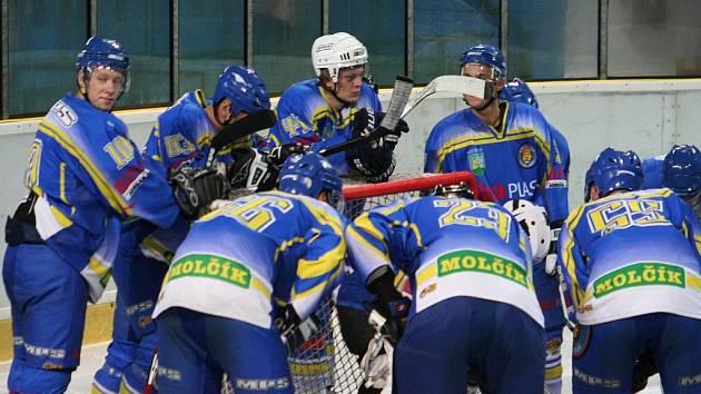 Příprava 2009/10: Hodonín vs. Břeclav (v modrém)
