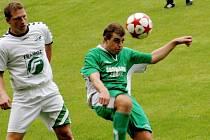 Smolařem středečního duelu mezi domácím Bzencem a hosty z Rousínova byl útočník Slovanu Petr Kasala (vpravo), kterému sudí Sedláček neuznal kvůli ofsajdům dvě branky.